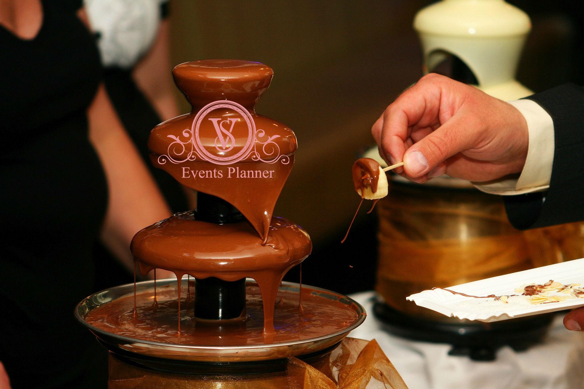 Cum alegeti o fantana de ciocolata pentru nunta?