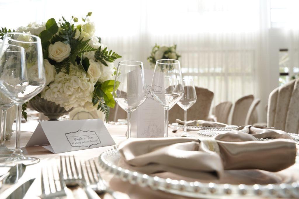 Decorațiuni și aranjamente florale alese de vedete pentru nunțile mondene ale verii